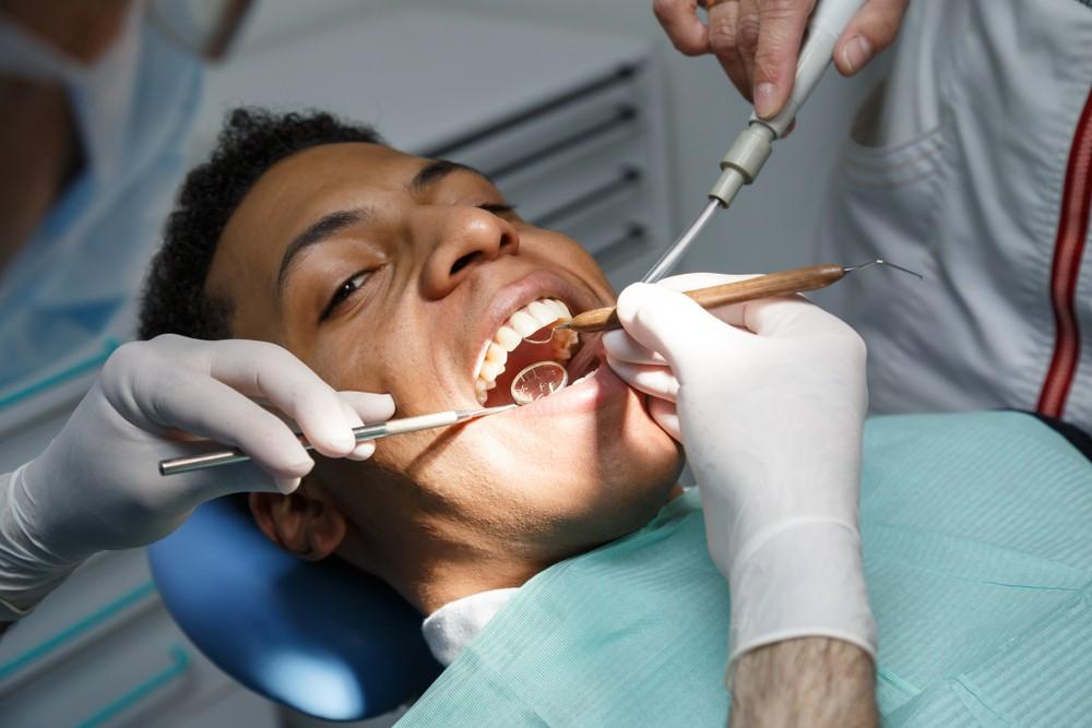 dentist filling cavities
